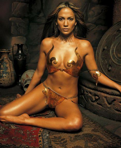 Jennifer Lopez Bakışları soğuk bulunuyor.
